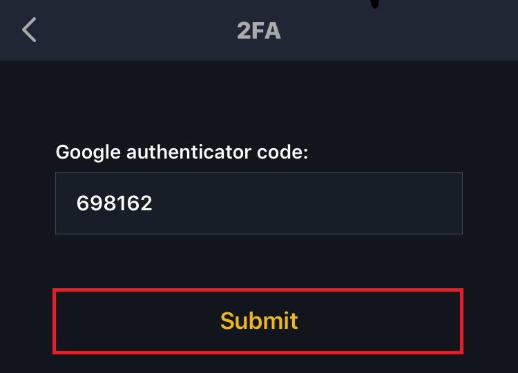 ワンタイムパスワードを入力して [Submit] をタップ