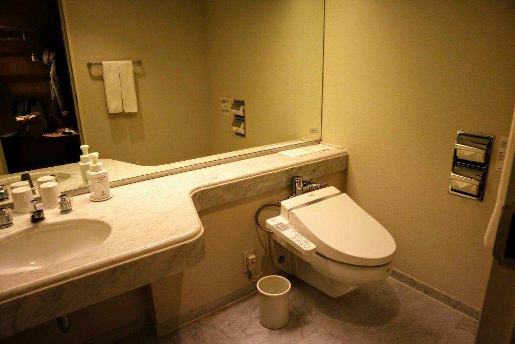 トイレ兼洗面所