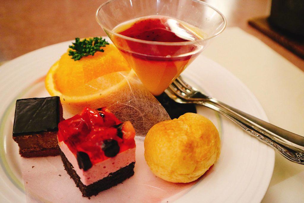 デザート(フルーツ&ケーキ)