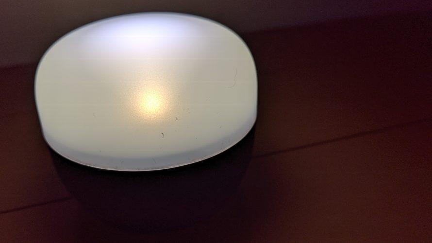 LED の色は暖色系の色です。