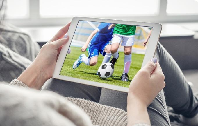 例えば、スマホ、タブレット、PC、Popin Aladdin など DLNA などに対応したデバイスからも視聴可能です。